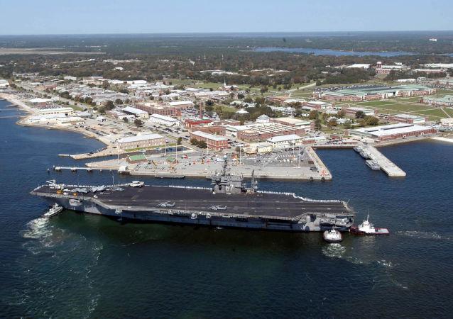 La base militare statunitense Pensacola, in Florida