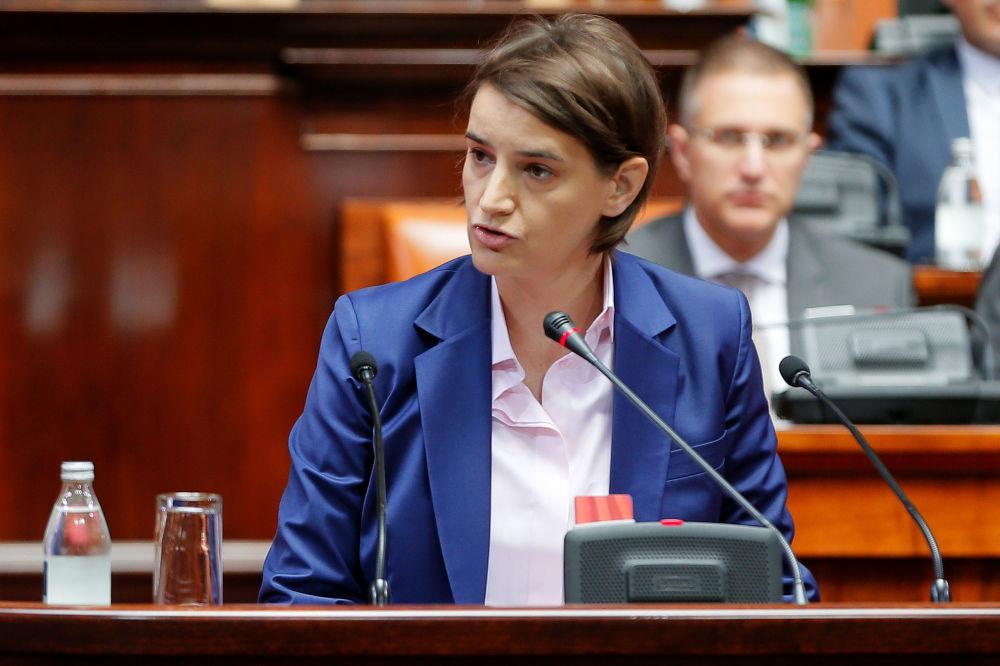 Ana Brnabić è una politica serba, dal 29 giugno 2017 Prima ministra della Serbia, prima donna nella storia del suo Paese ad assumere tale incarico