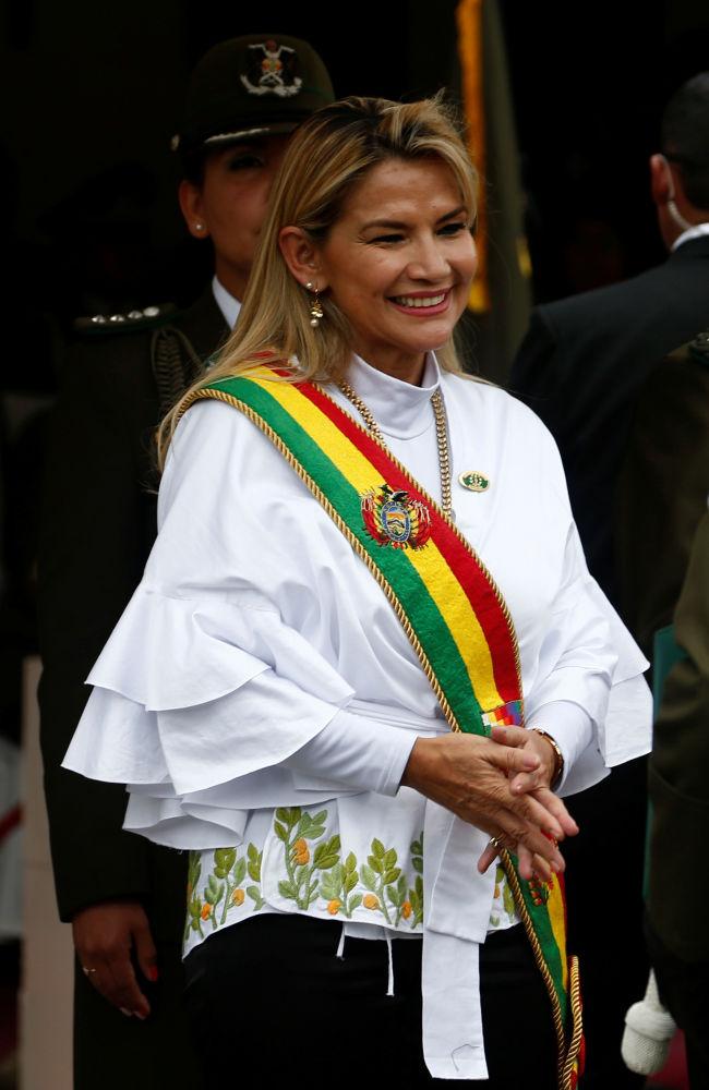 Jeanine Anez, presidente ad interim della Bolivia, partecipa ad una cerimonia dell'Accademia Nazionale di Polizia a La Paz, in Bolivia, il 26 novembre 2019