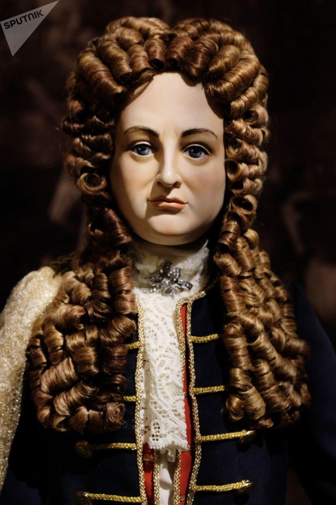 Una bambola del politico e militare svizzero naturalizzato russo François-Jacques Lefort alla mostra I monarchi russi. Le pagine della storia a Mosca