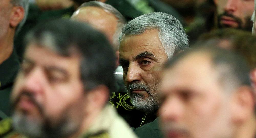 Iran, folla oceanica ai funerali del generale Soleimani