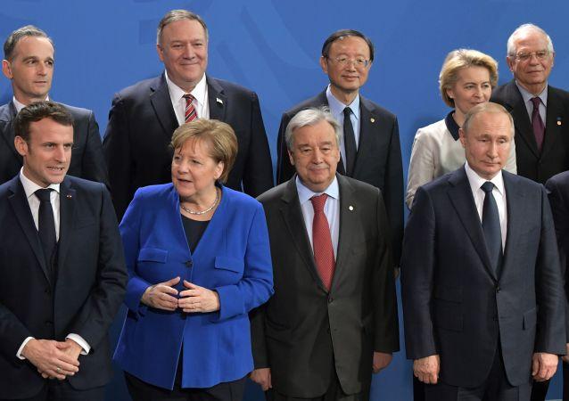 Partecipanti alla conferenza internazionale sulla Libia a Berlino