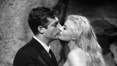 La dolce vita è un film del 1960 diretto da Federico Fellini