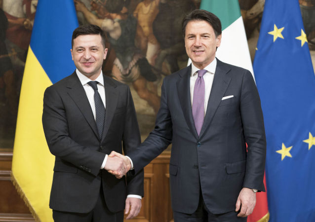 Il premier Giuseppe Conte riceve a Palazzo Chigi il presidente dell'Ucraina Vladimir Zelensky