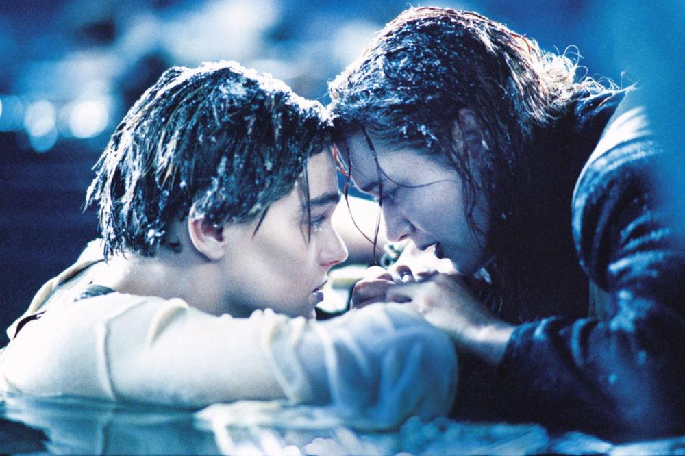 Kate Winslet e Leonardo DiCaprio nel film Titanic, 1997