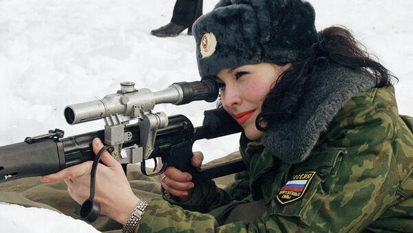 Rossetto e Kalashnikov: le donne dell'armata russa - Sputnik Italia