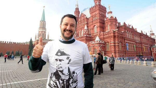 Matteo Salvini in Piazza Rossa - Sputnik Italia