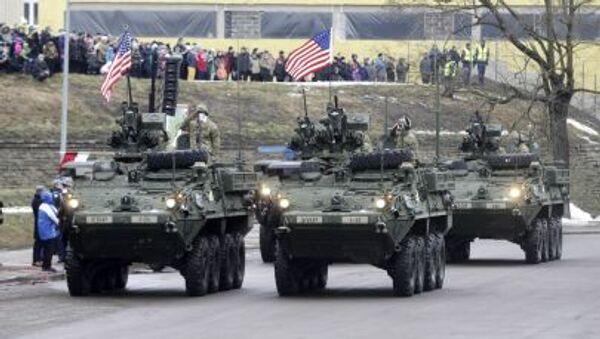 Sflata dei blindati USA in Estonia - Sputnik Italia