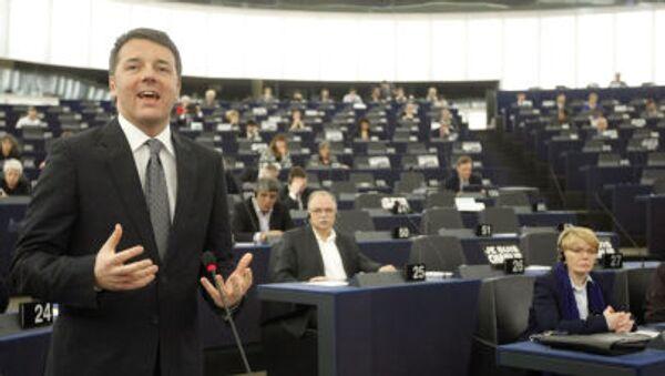 Премьер-министр Италии Маттео Ренци выступает в Европейском парламенте в Страсбурге - Sputnik Italia