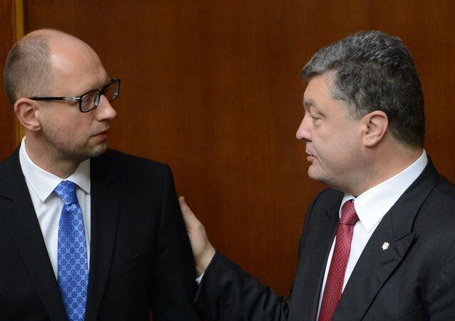 Arseniy Yatsenyuk e Petr Poroshenko