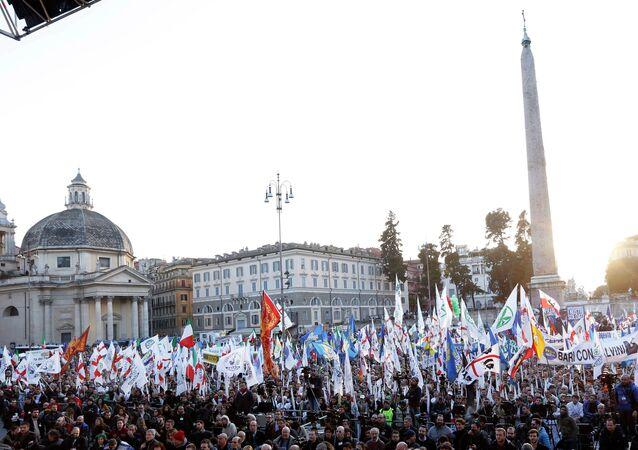 In gennaio e` aumentato il tasso di disoccupazione e la Lega Nord protesta per piazza. febbraio 2015