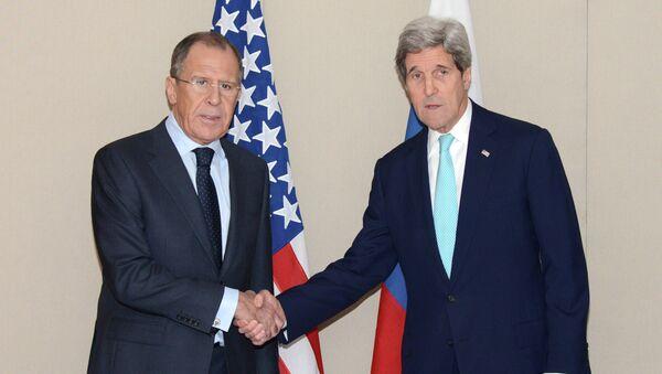 Sergej Lavrov e John Kerry - Sputnik Italia