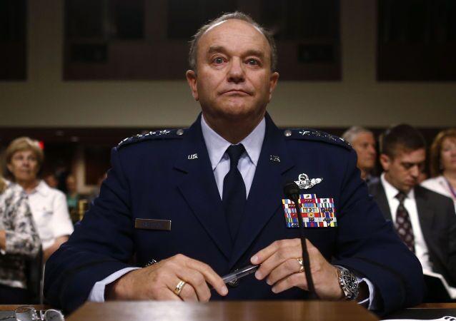 Il comandante delle forze armate della NATO in Europa il generale Philip Breedlove