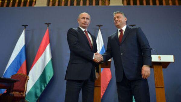 Presidente russo Vladimir Putin e il Primo Ministro ungherese Viktor Orban - Sputnik Italia
