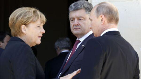 Ангела Меркель, Петр Порошенко и Владимир Путин на праздновании годовщины высадки союзников в Нормандии - Sputnik Italia
