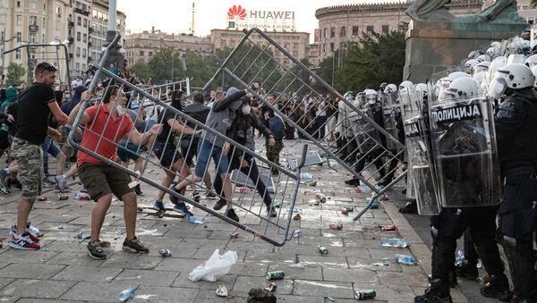 Proteste a Belgrado - Sputnik Italia