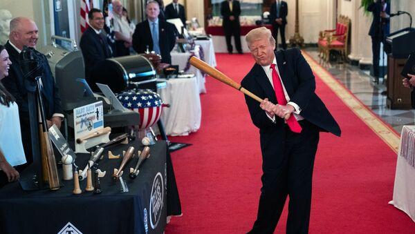 Президент США Дональд Трамп во время шоу Дух Америки в Белом Доме, Вашингтон - Sputnik Italia