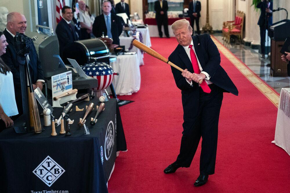 Il presidente statunitense Donald Trump durante lo show The Spirit of America nella Casa Bianca, USA.