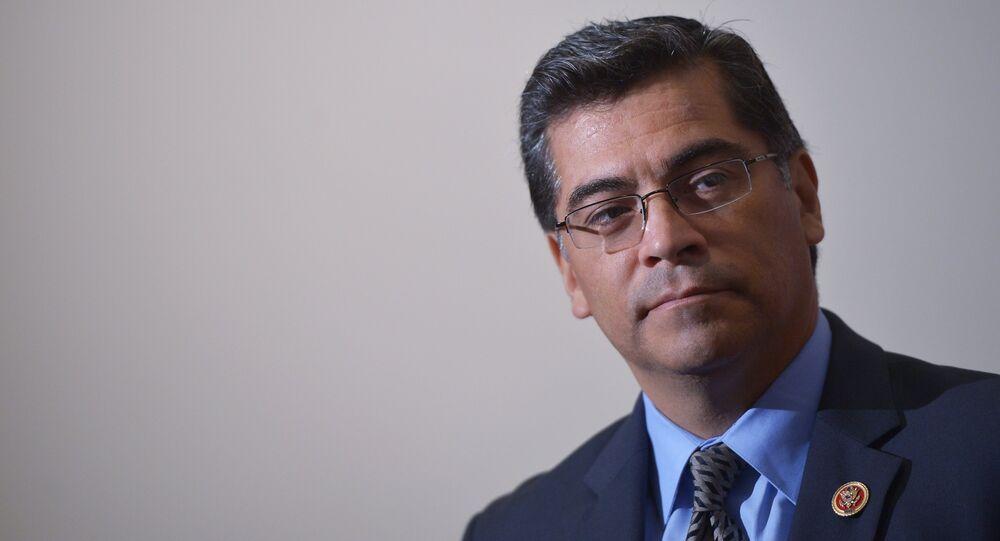 Il procuratore della California Xavier Becerra