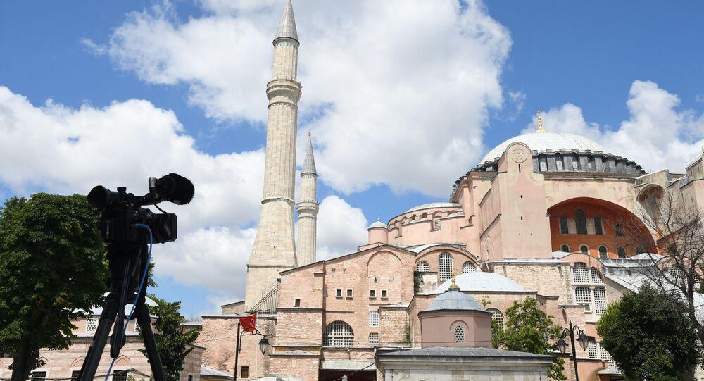 Santa Sofia ad Istanbul (foto d'archivio)