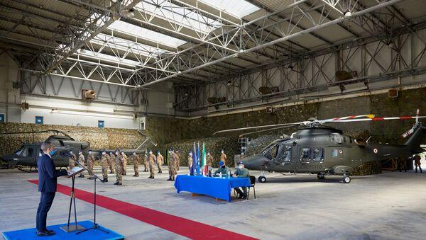 Leonardo Elicotteri consegna primo velivolo AW169 da addestramento all'esercito italiano - Sputnik Italia