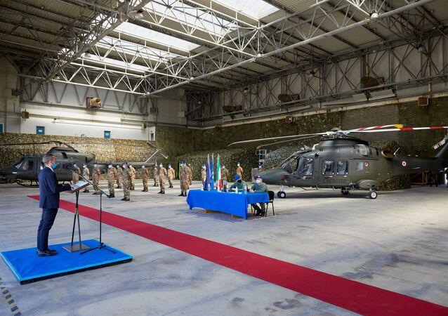 Leonardo Elicotteri consegna primo velivolo AW169 da addestramento all'esercito italiano