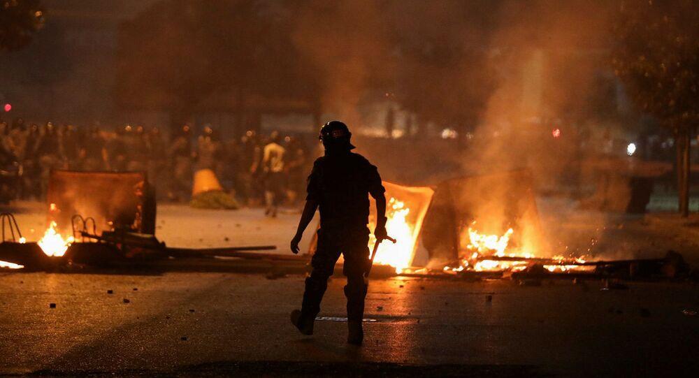 Un momento delle proteste a Beirut nel mese di giugno