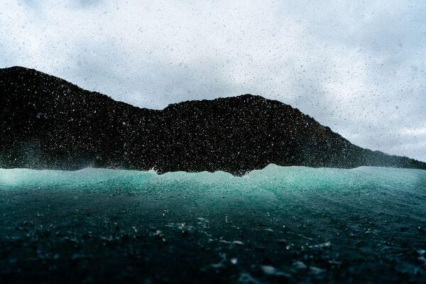 La foto Back Wash del fotografo Oscar Hetherington - Sputnik Italia