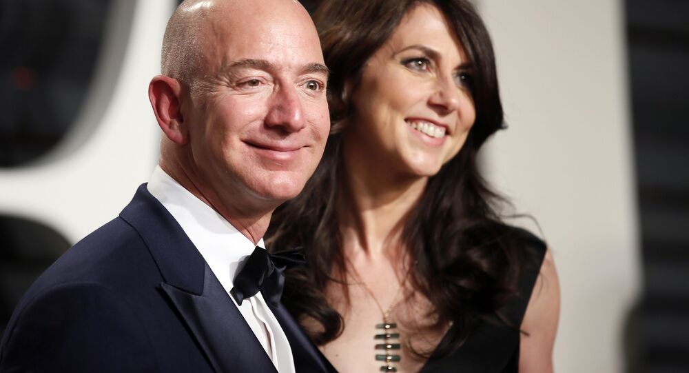 89th Academy Awards - Oscars Vanity Fair Party - Beverly Hills, California, U.S. - 26/02/17 – Amazon's Jeff Bezos and his wife MacKenzie Bezos.