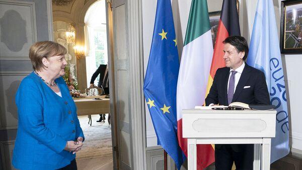 Il Presidente del Consiglio, Giuseppe Conte, incontra la Cancelliera federale della Germania, Angela Merkel - Sputnik Italia