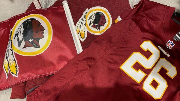 Maglie con logo degli Washington Redskins - Sputnik Italia