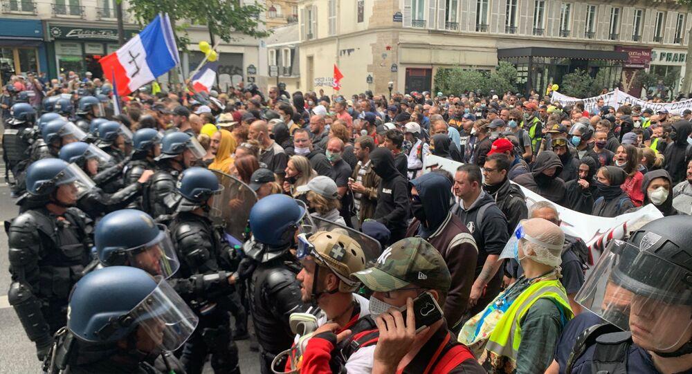 Le manifestazioni a Parigi nel giorno della presa della Bastiglia il 14 luglio