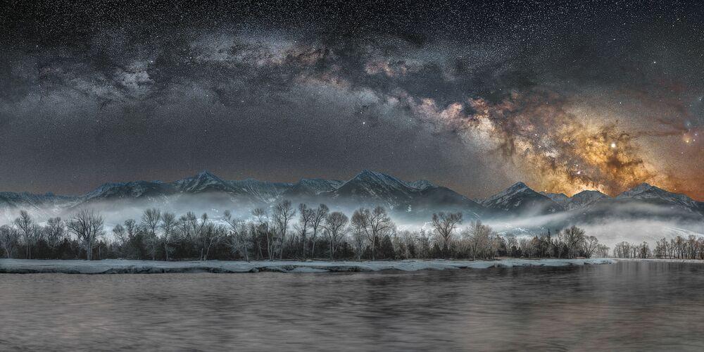 La foto Notte fredda nel Yellowstone del fotografo americano Jake Mosher della categoria Skyscapes, selezionata per Insight Investment Astronomy Photographer 2020