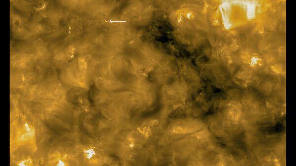 Le prime immagini da Solar Orbiter rivelano 'campfires' sul Sole - Sputnik Italia