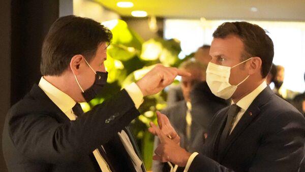 Il Presidente Conte ha incontrato a Bruxelles il Presidente della Repubblica francese, Emmanuel Macron - Sputnik Italia