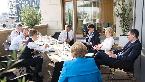 Incontro del premier Conte ai margini del Consiglio Europeo - Sputnik Italia