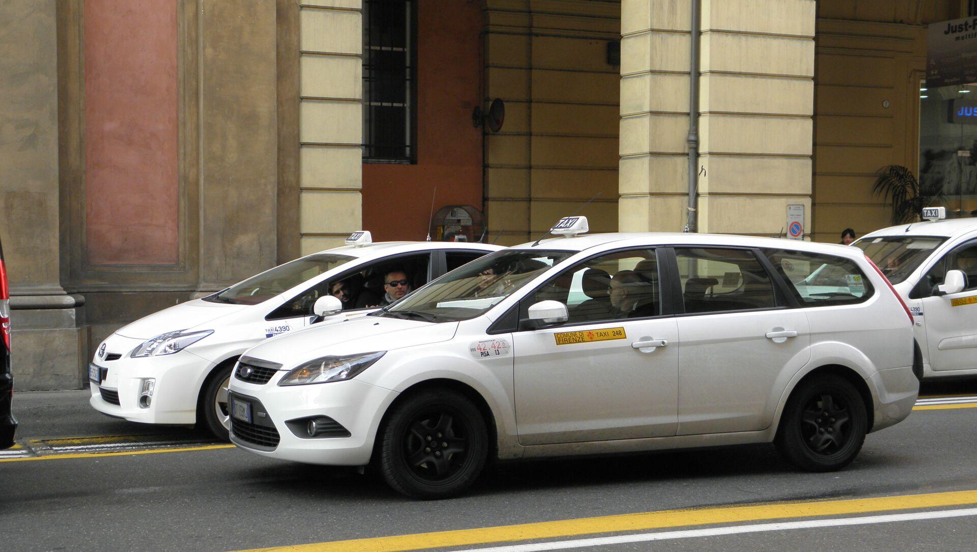 Taxi in Italia - Sputnik Italia, 1920, 07.04.2021