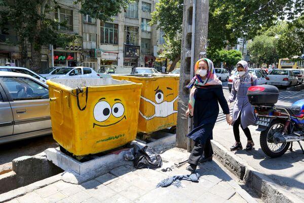 In Iran bidoni fanno parte del programma statale anti Covid-19 - Sputnik Italia