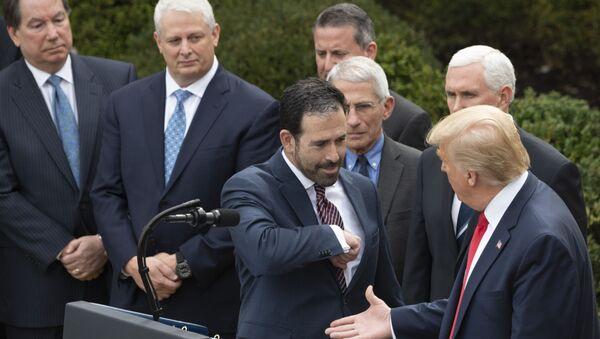 Президент США Дональд Трамп во время пресс-конференции по COVID-19 в Вашингтоне  - Sputnik Italia