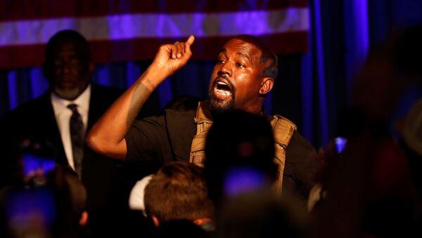 Il rapper Kanye West durante il suo primo discorso nell'ambito di campagna elettorale - Sputnik Italia