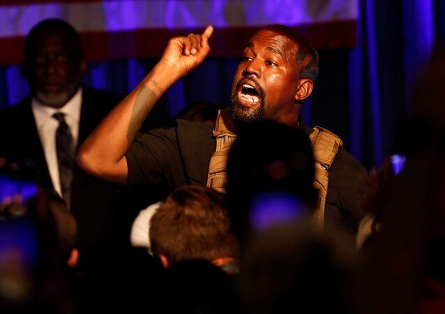 Il rapper Kanye West durante il suo primo discorso nell'ambito di campagna elettorale