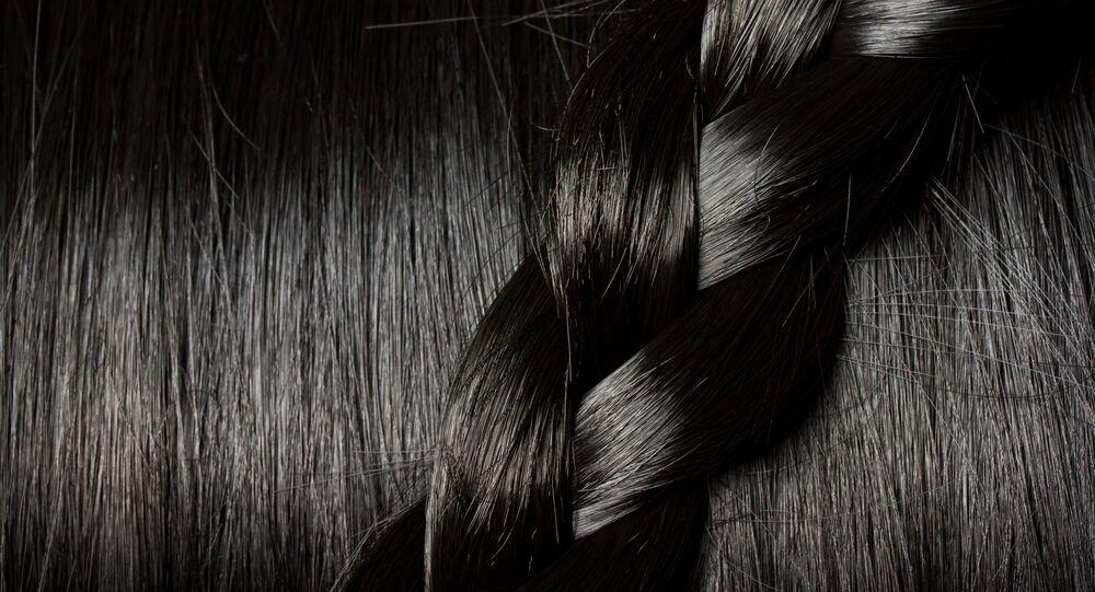Donna vietnamita di 83 anni ha 6 metri di capelli a forma ...