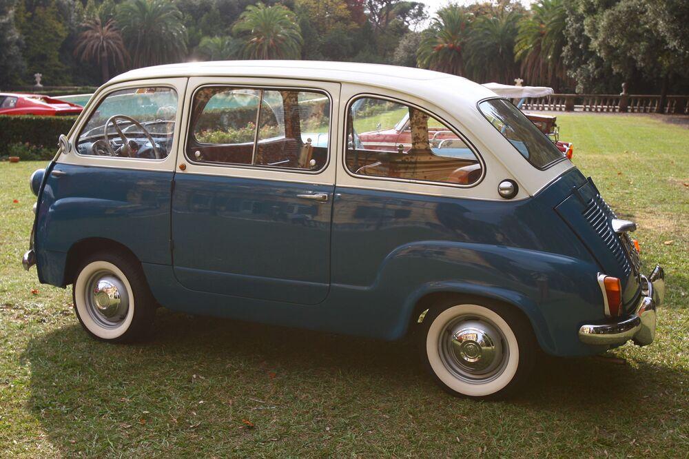 Una Fiat 600 al Museo dell'auto di Torino