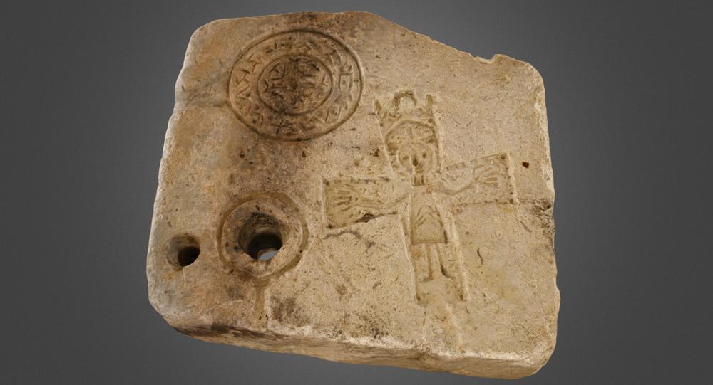 Archeologi trovano uno stampo per gioielli cristiani vecchio 1.000 anni