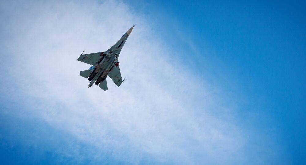 Intercettato aereo spia americano da caccia russo Su-27 nel Mar Nero
