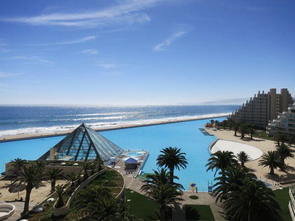 La piscina più grande del mondo a San Alfonso Del Mar - Sputnik Italia
