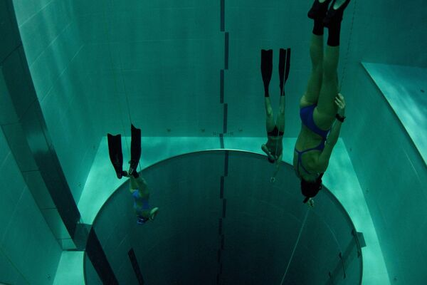 La piscina Deep Joy di Montegrotto Terme, dove Umberto Pelizzari svolge i corsi di apnea: la piscina è costruita sopra delle sorgenti termali ed è profonda 42 metri. Si tratta della più profonda al mondo per il free diving e lo scuba diving. - Sputnik Italia