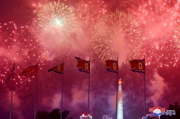 Fuochi d'artificio a Pyongyang. - Sputnik Italia