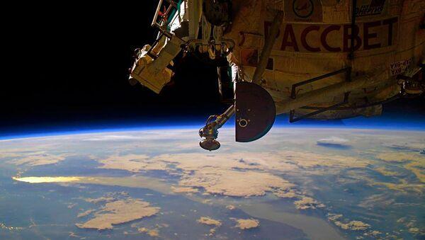 Рассвет над Байкалом с борта МКС - Sputnik Italia