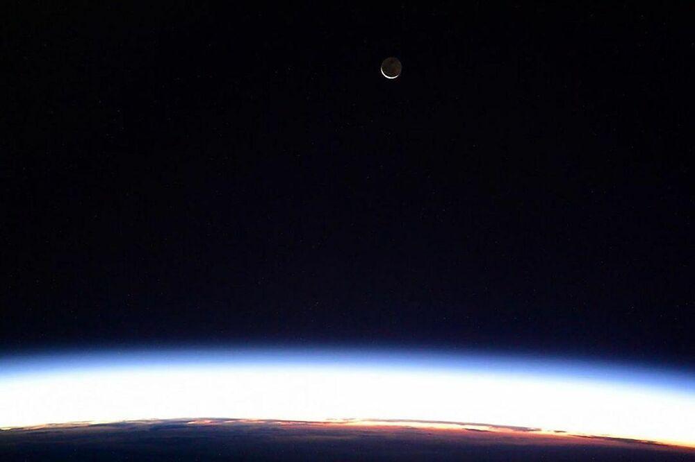 Vista della Luna dalla Stazione Spaziale Internazionale